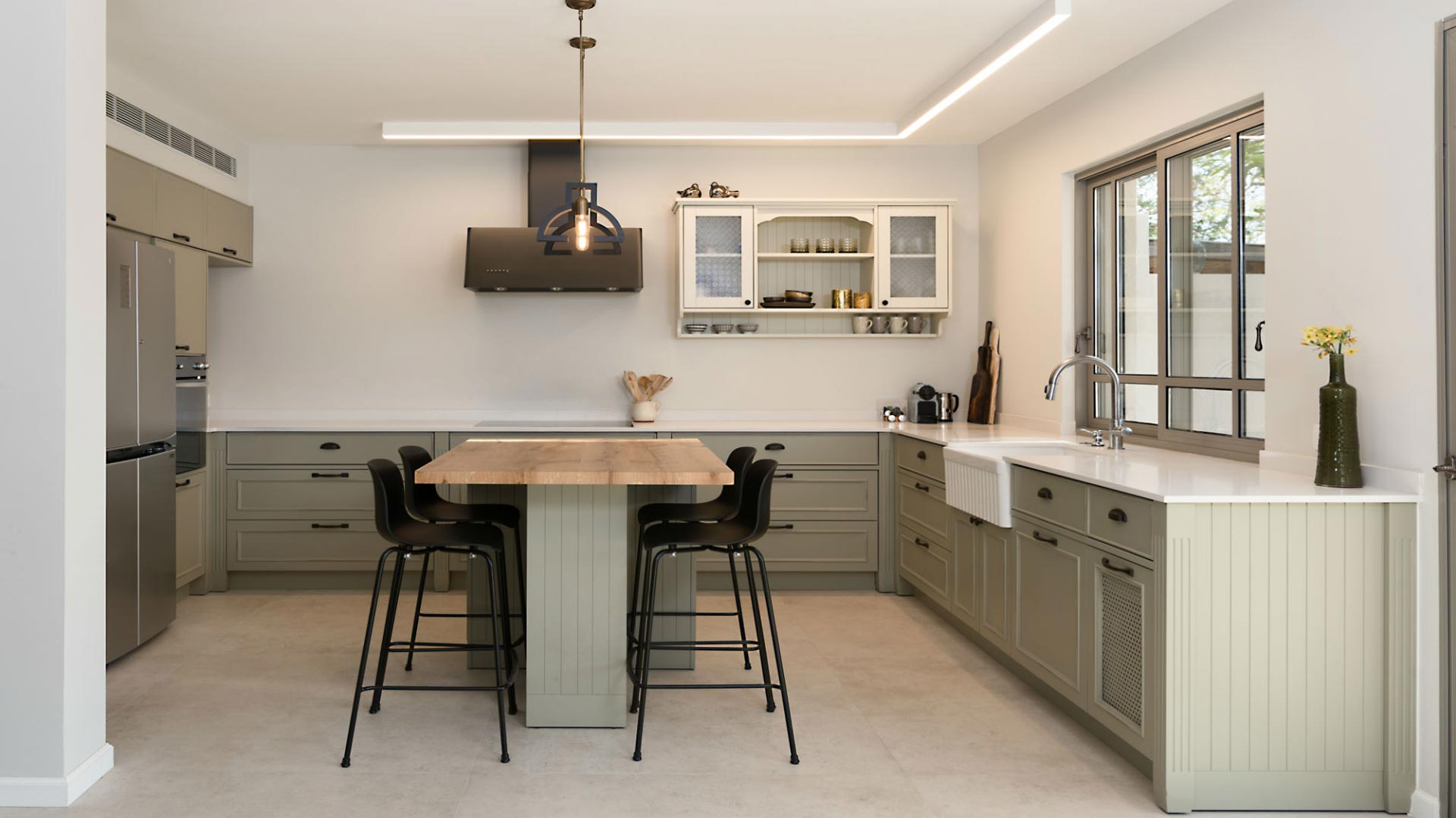 country-kitchen-in-cream-color