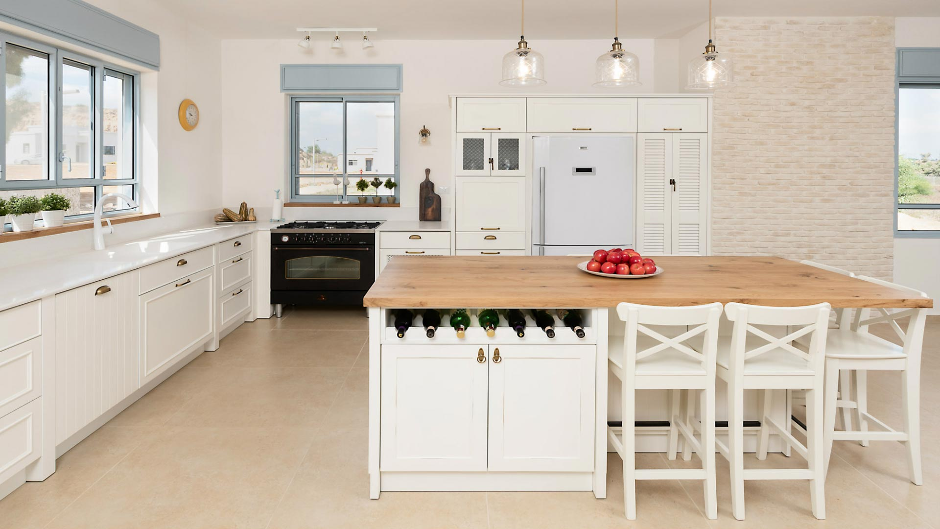 country-kitchen-with-apples-on-the-counters