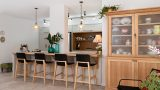 country-kitchen-with-wooden-bar-modiin-mod12